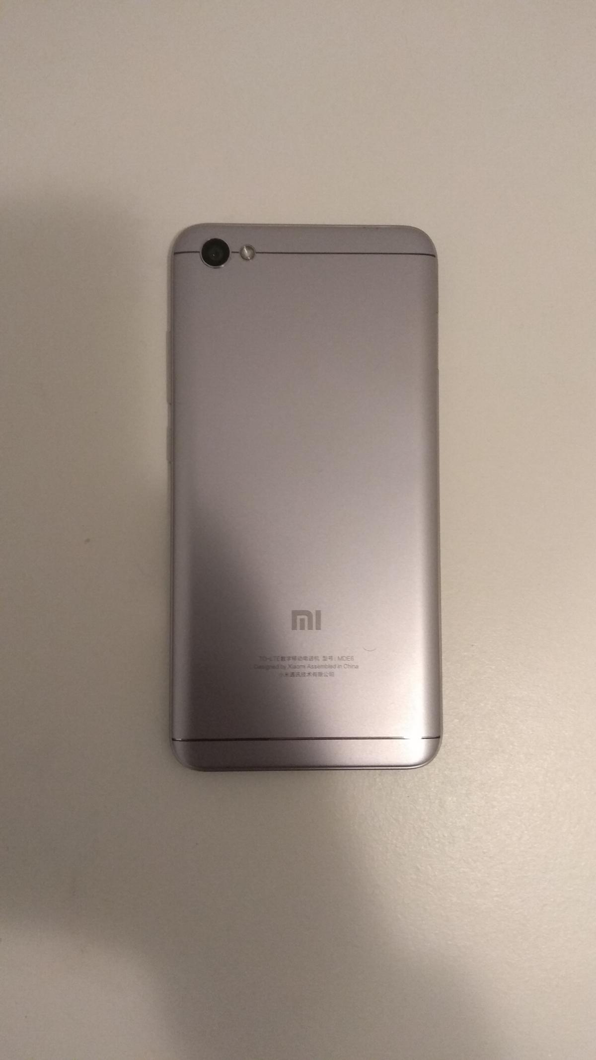 Test Xiaomi Redmi Note 5a Der Bruder Des 4x Im Review Xiomi Das Gibt Es In Verschiedenen Farben Mein Testgert Ist Grau Geliefert Worden Auf Den Ersten Blick Sieht So Aus
